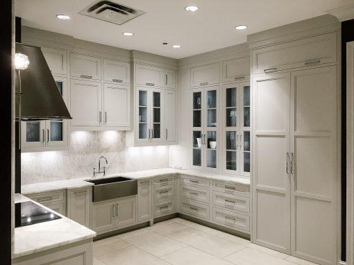 Kitchen: 2016-Plain&Fancy-Showroom-White