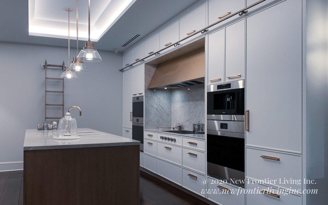 Kitchen: 2019-Snaidero-Showroom-White & Gold